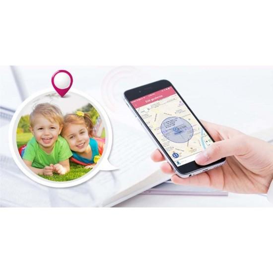 GPS tracker v tvare identifikačnej karty s SOS tlačidlom